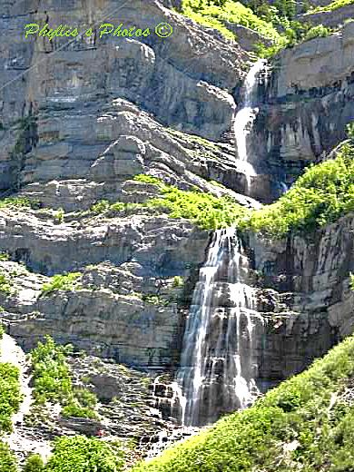 ry=400 _Waterfall